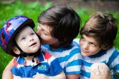 Geschwister_Fotoshooting_Familienbild