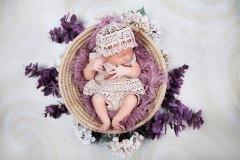 baby-im-korb-neugeborenes