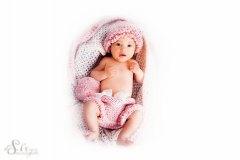 baby-in-rosa
