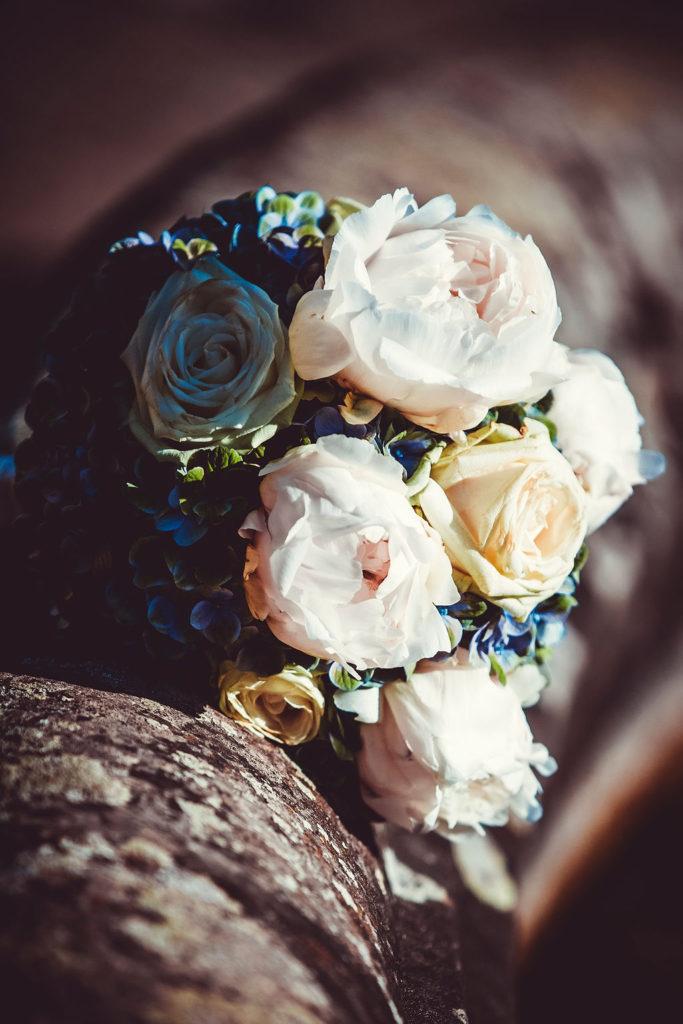 Hochzeit Bouquet auf einem Bräute Hochzeit