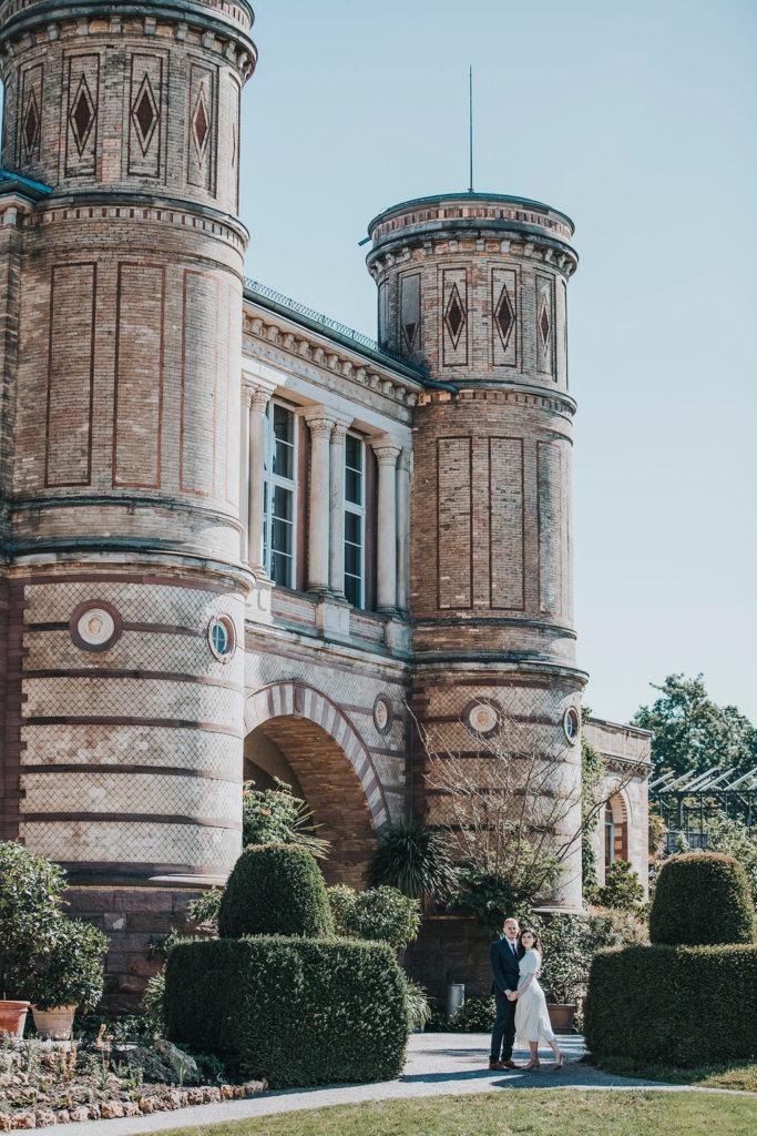 Hochzeit Brautpaar Schloss