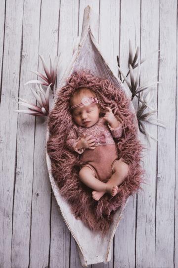 Das Neugeborenen Shooting Mara